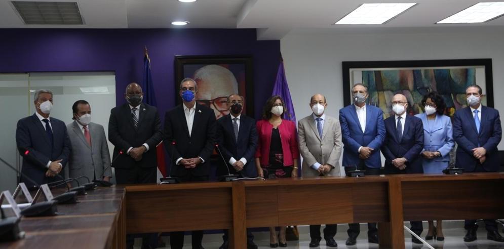 Presidente Abinader obtiene apoyo de liderazgo político