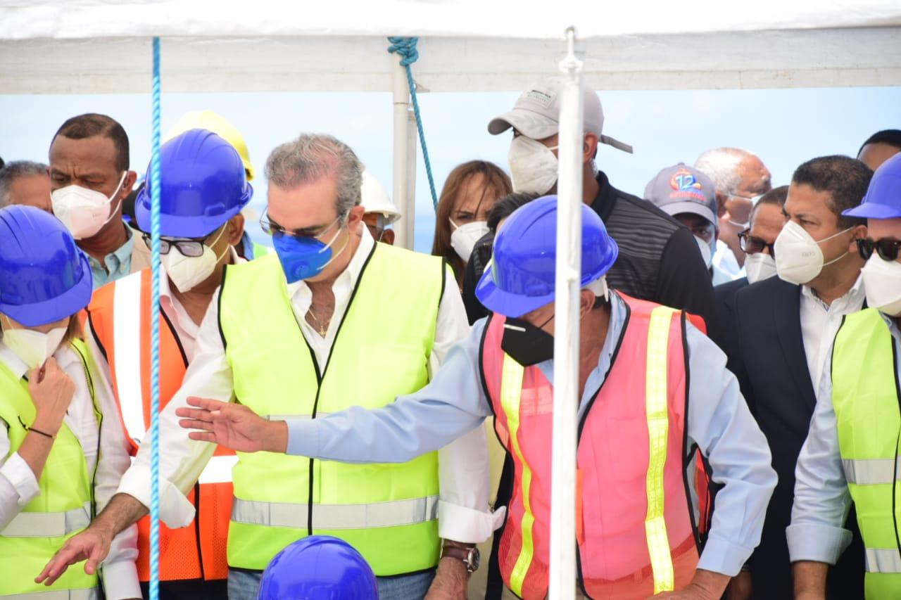 Videos | Presidente Abinader anuncia varios proyectos en Montecristi para generar miles de empleos
