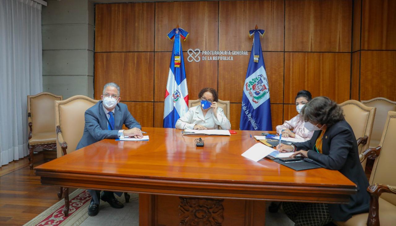 Miriam Germán Birto sostiene un encuentro virtual con la embajadora Robin Berstein