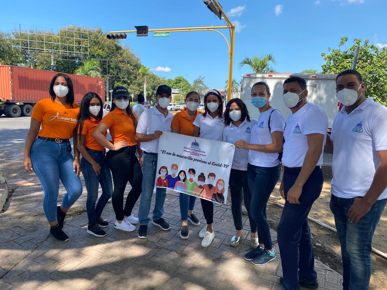 Ayuntamiento Santiago y Dirección de Salud Pública realizan operativo orientación sobre el Covid-19