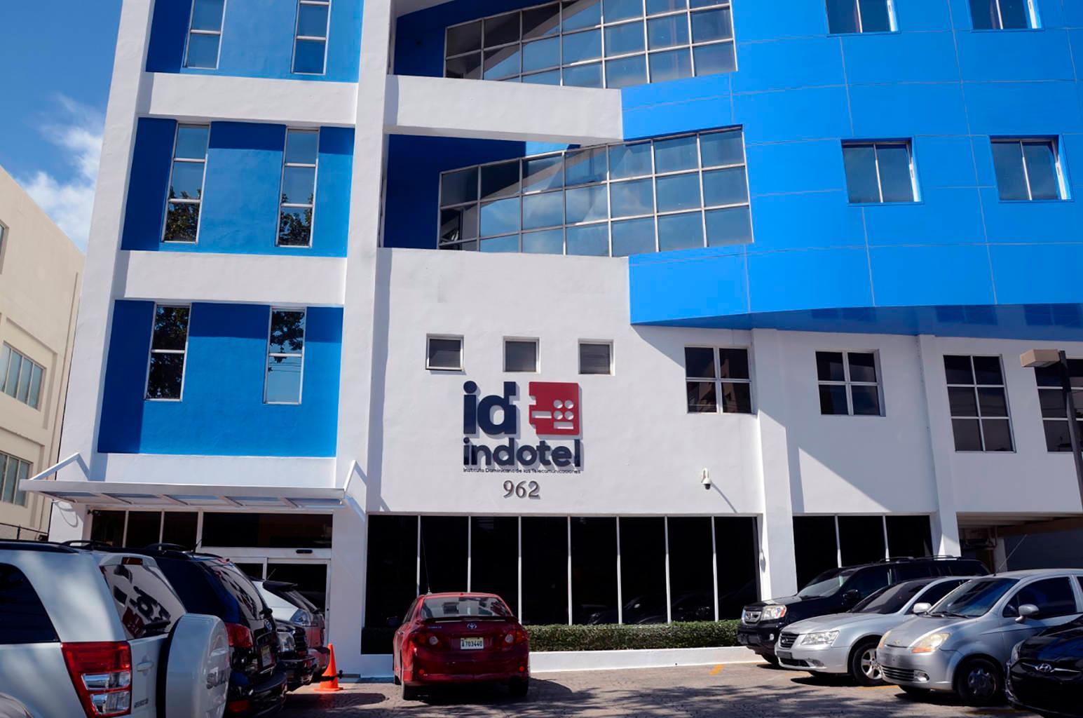 INDOTEL cierra cuatro emisoras ilegales en Monseñor Nouel