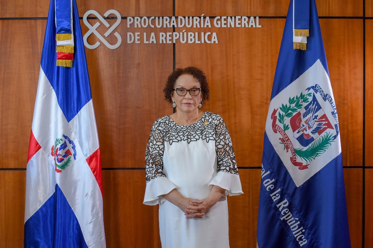 Procuradora Germán Brito recibe atenciones médicas en la Plaza de la Salud