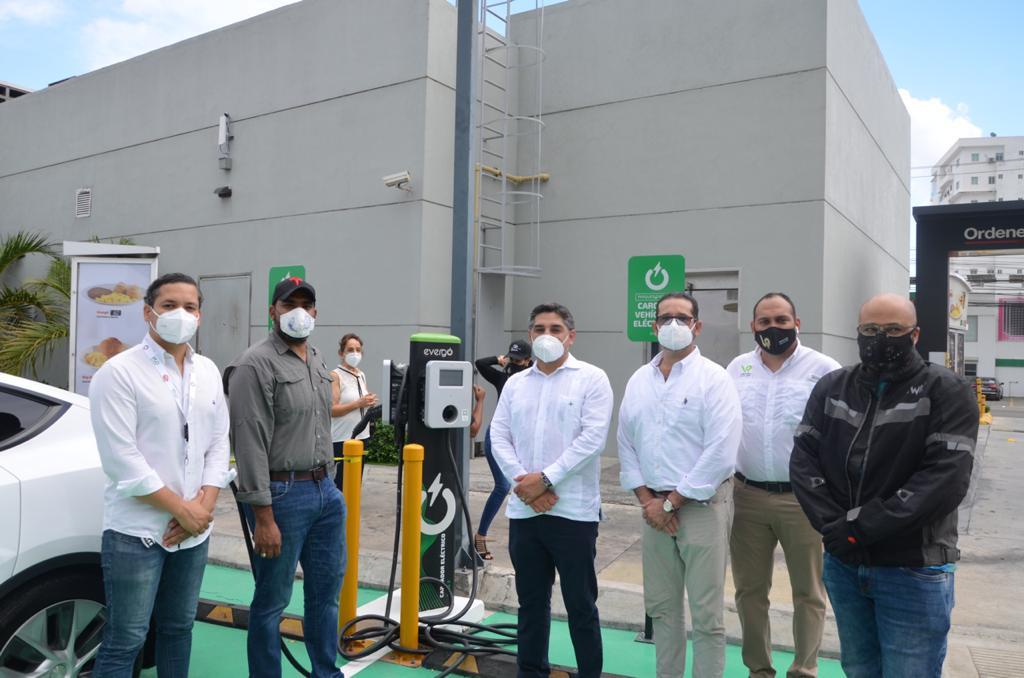 ASOMOEDO realiza el primer rally por la Movilidad Eléctrica