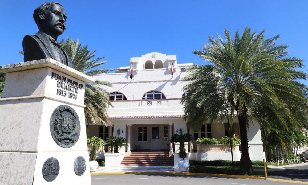 RD manifiesta intención de abrir embajadas en Bolivia y Vietnan