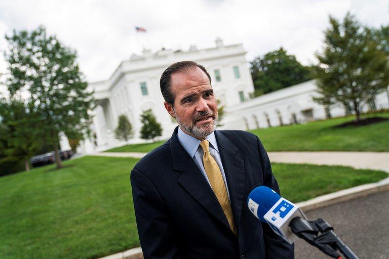 Quién es Mauricio Claver-Carone, el asesor cubanoamericano de Trump que presidirá el BID
