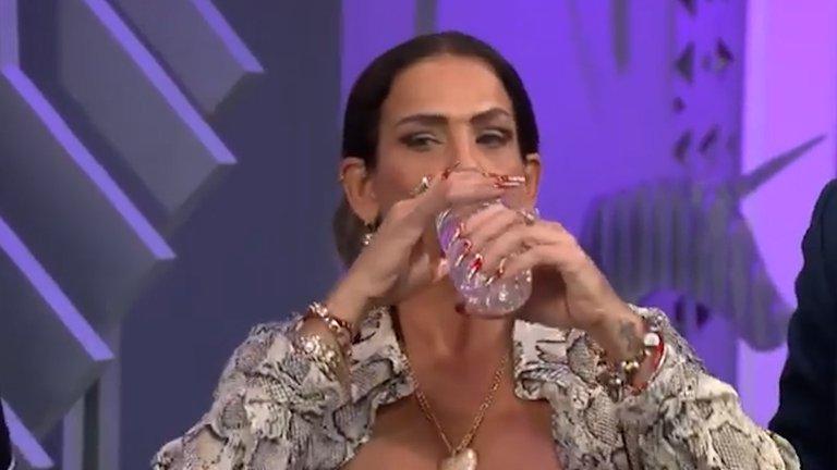Niurka escupió a Yolanda Andrade y Montserrat Oliver antes de ser corrida de su programa
