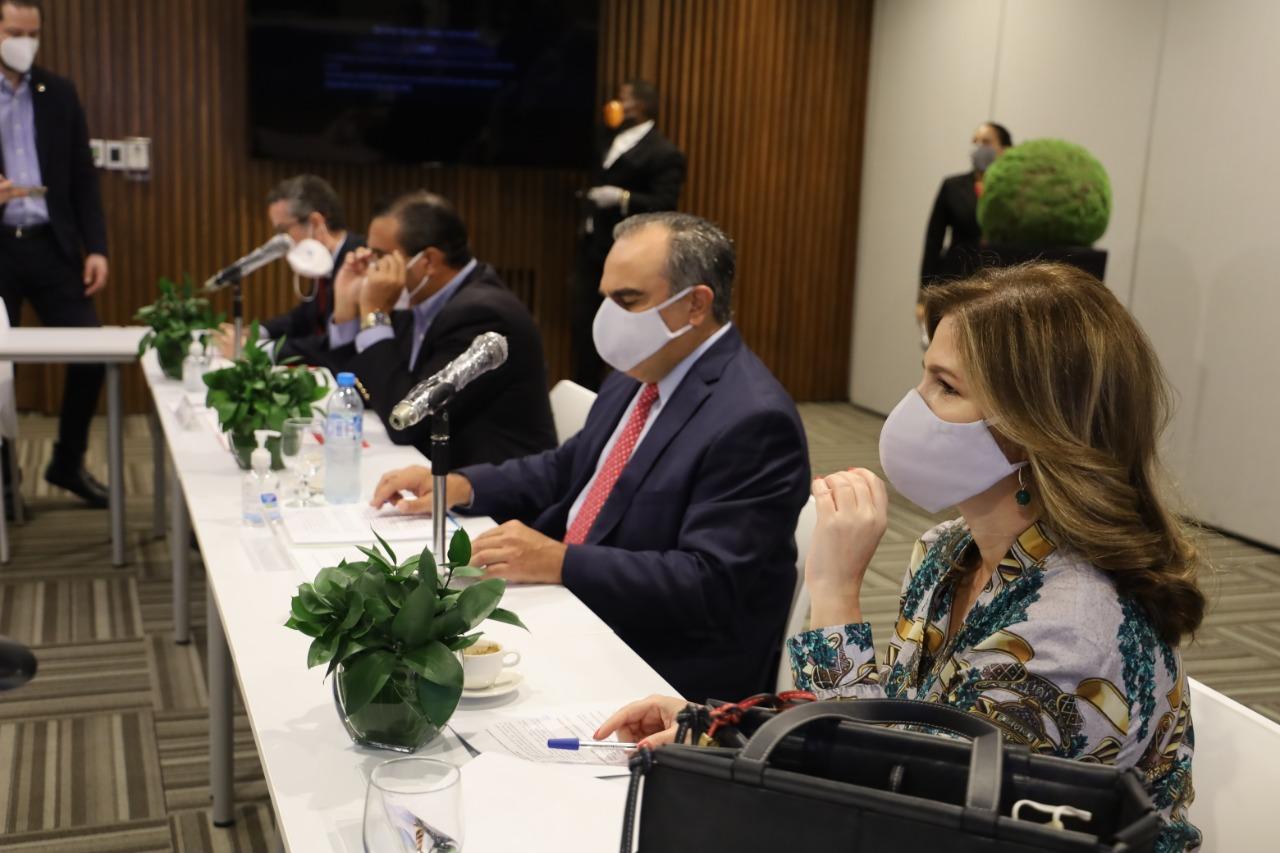 AIRD y ADOZONA presentan la Estrategia  de Desarrollo del Sector Industrial
