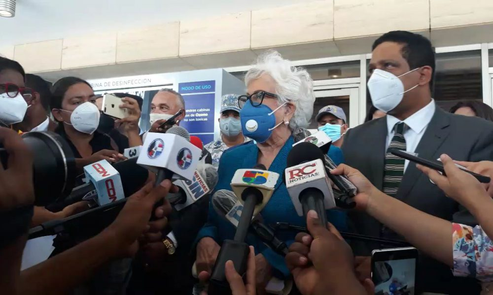 Video | Depositan denuncia sobre irregularidades en compra de asfalto durante gestión de Castillo