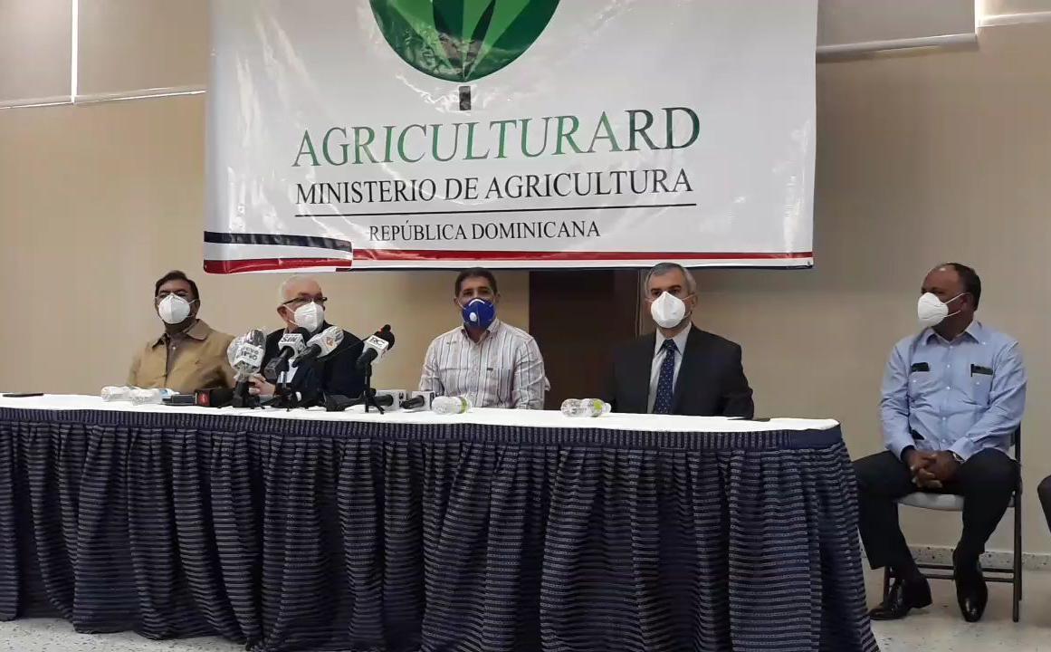 Ministerio de Agricultura y Banco a Agrícola ponen a disposición 5 mil millones para reactivar agropecuaria