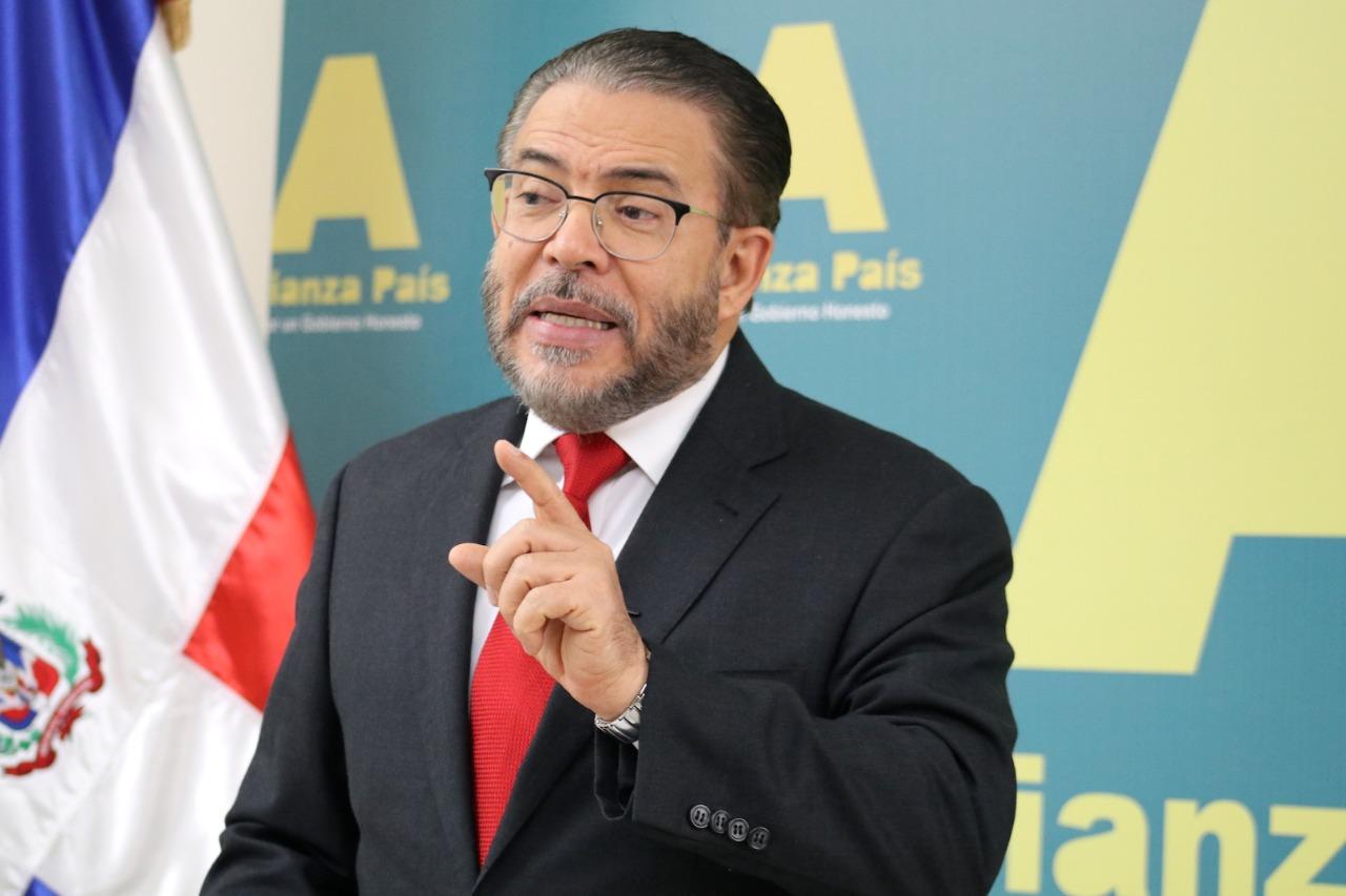 """Moreno: """"gobierno de Abinader tenía otras opciones antes que endeudar más al país"""""""