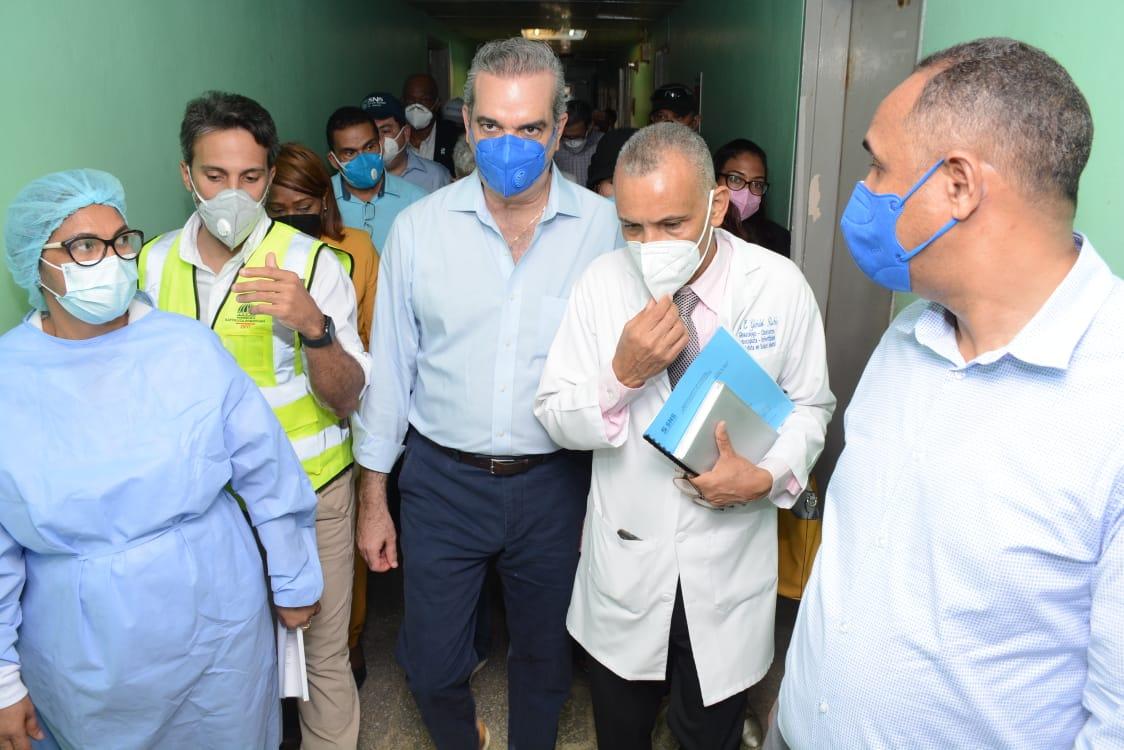 Abinader deplora situación de hospital Antonio Musa