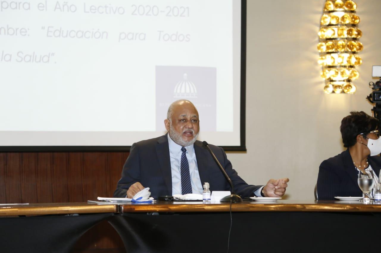 """Ministro de Educación presenta indicadores de logros del """"Plan de Educación"""""""