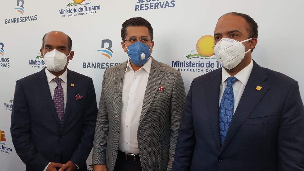 """Turismo, Banreservas y Seguros Reservas inician plan de asistencia """"Turismo Seguro RD"""""""