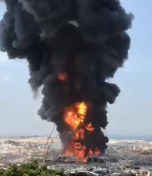 El incendio en el puerto de Beirut pudo ser un acto de sabotaje, afirma el presidente del Líbano