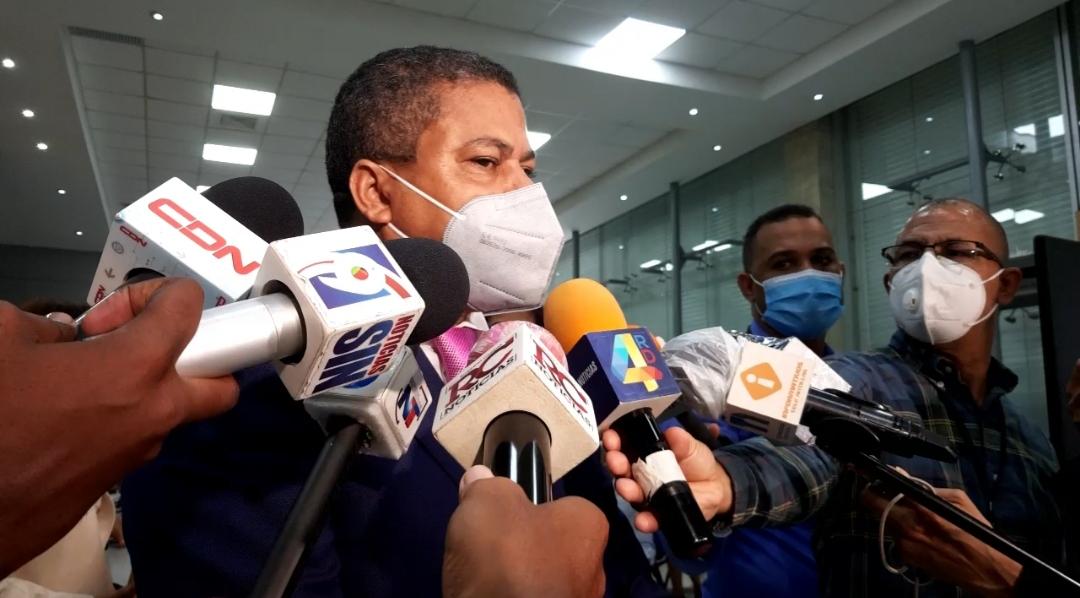 Video | Senador Eddy Nolasco presenta declaración jurada con una fortuna de casi 44 millones