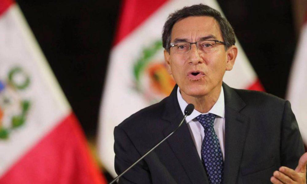 Video | Presidente Vizcarra se salva de ser destituido por el Congreso peruano