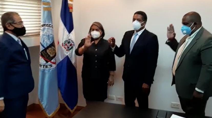 Video | Juramentan subdirectores Dirección General Pasaportes