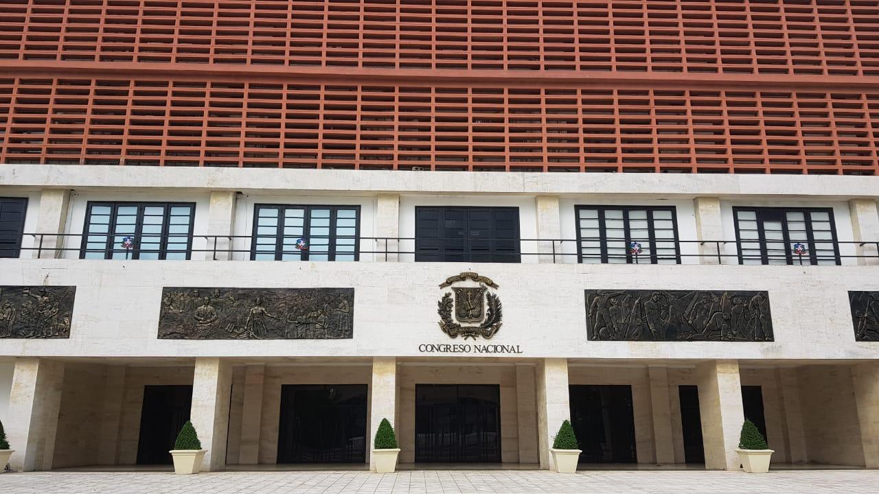 10 aspirantes del pleno de la JCE depositaron sus documentos en el primer día de recepción