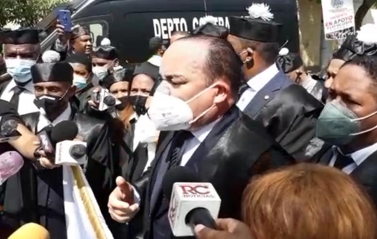 Video | Colegio de Abogados exige destitución de Luis Henry Molina