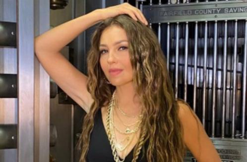 Admiradores se preguntan si Thalía abusó del Photoshop en una de sus fotos