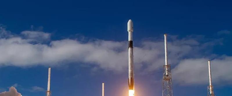 Video | La empresa SpaceX lanza 60 satélites Starlink con la ayuda del cohete Falcon 9