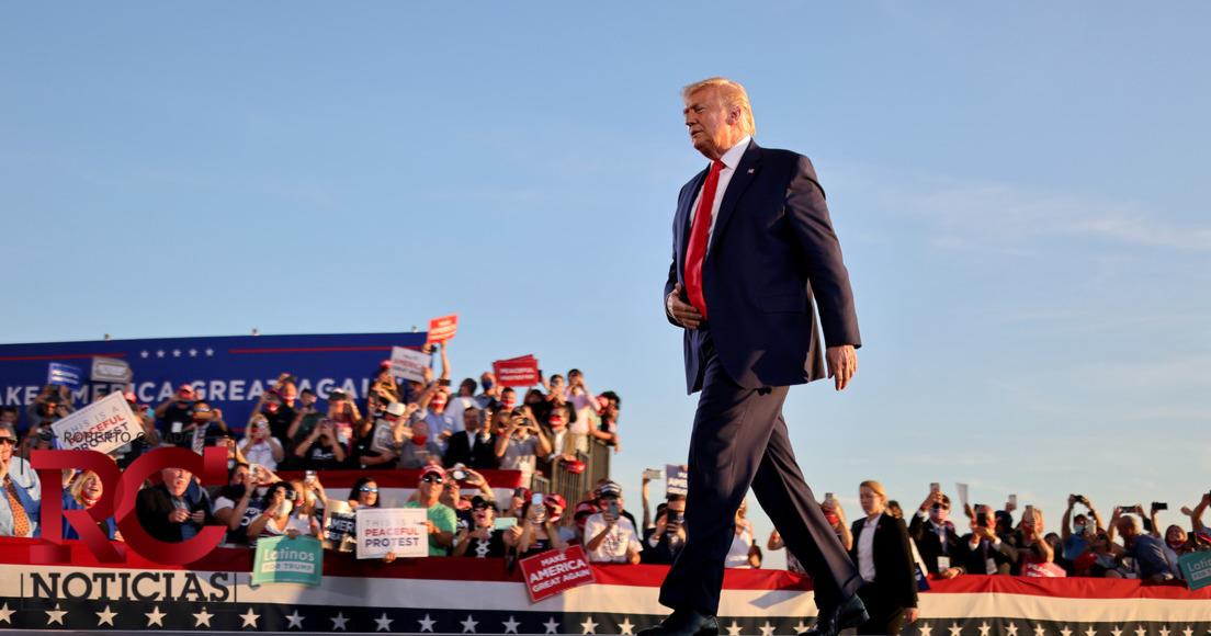 Wall Street baja por coronavirus de Trump pero mercados en general resisten
