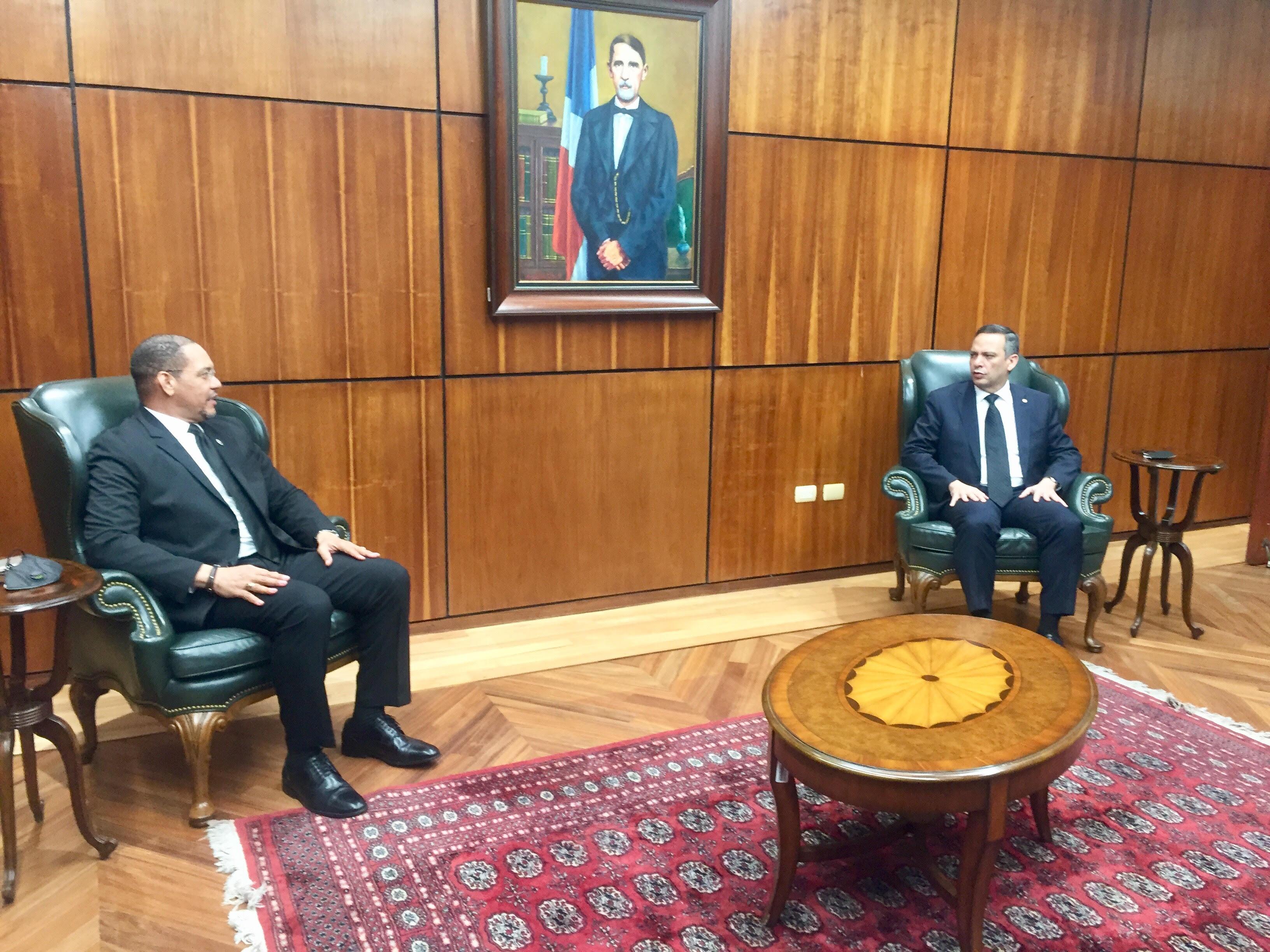 Presidente de SCJ y director de Defensa Pública se reúnen para tratar avances de las audiencias remotas