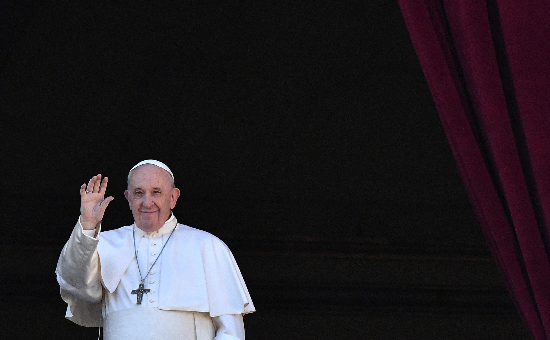El papa a favor de leyes civiles para parejas homosexuales