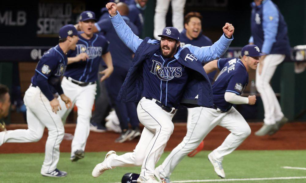 Hit de oro de Phillips da triunfo a Rays ante Dodgers y empata la Serie Mundial