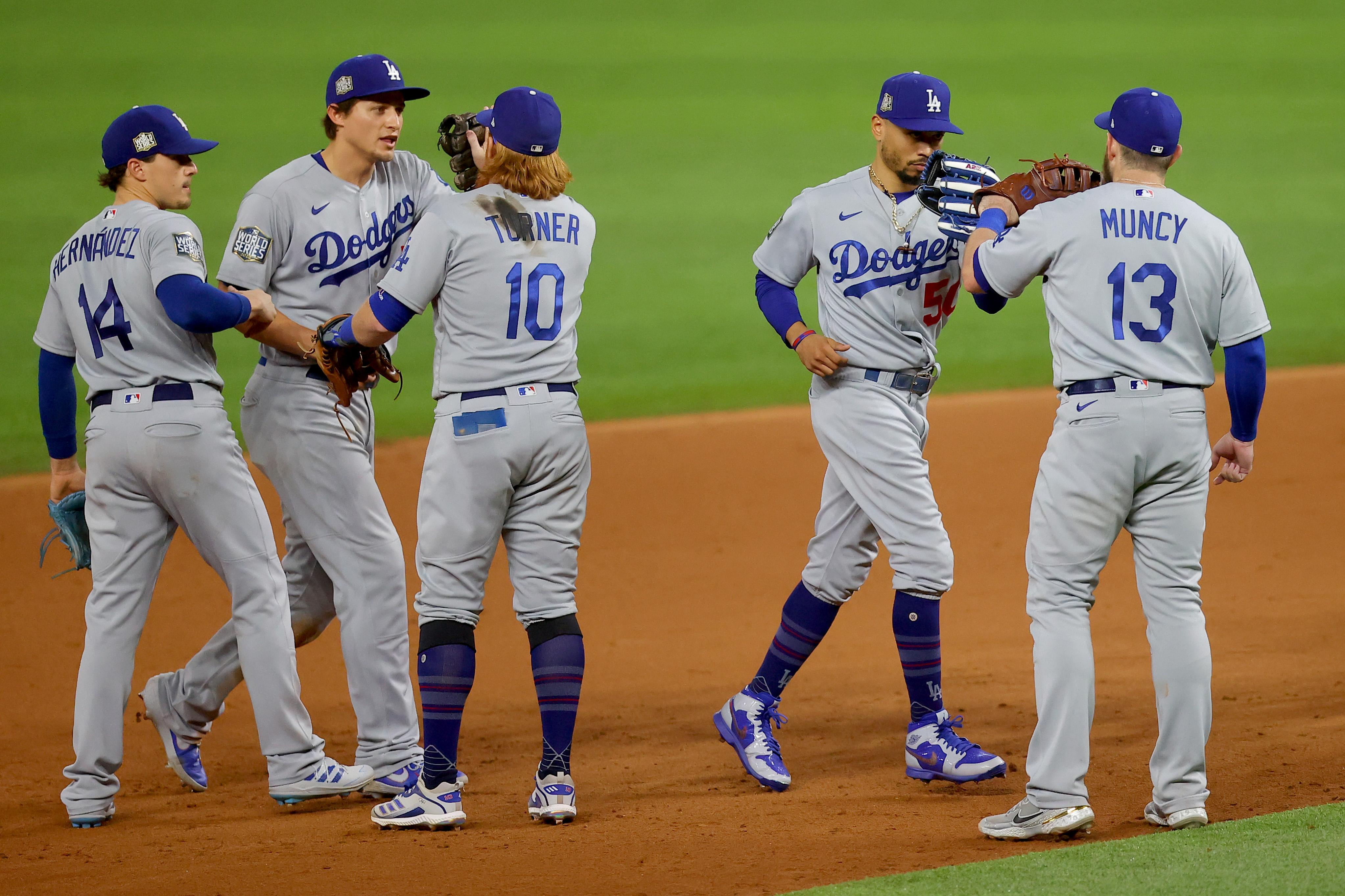Dodgers a un paso de ganar la Serie Mundial ante los Rays
