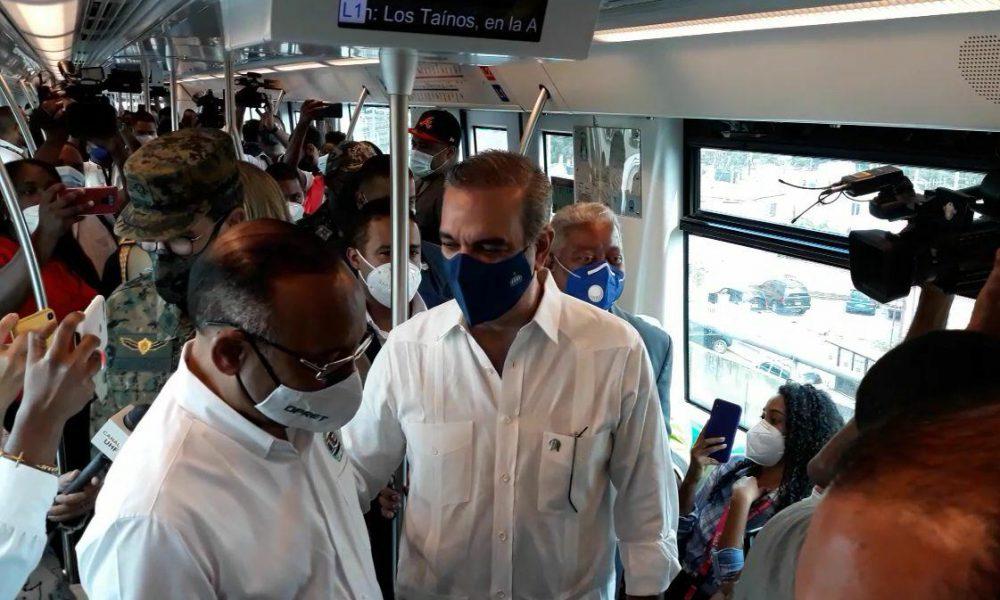 Video | Usuarios se quejan por aglomeraciones en Metro de Santo Domingo