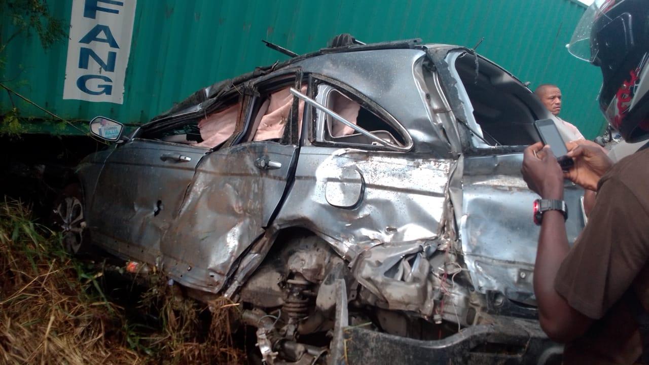 Dos personas mueren y varias resultan heridas tras accidente en La Vega