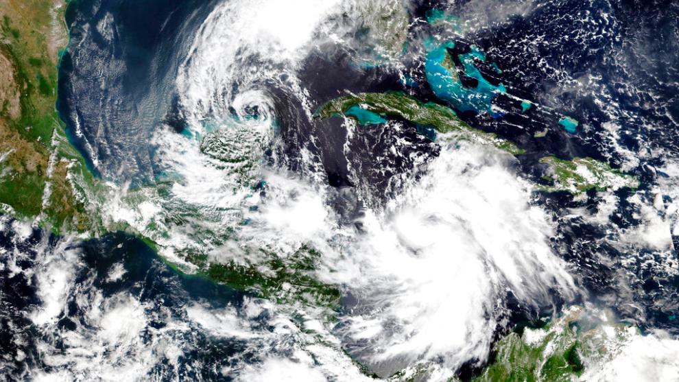El huracán Delta baja a categoría 1 mientras avanza rumbo a EE.UU.
