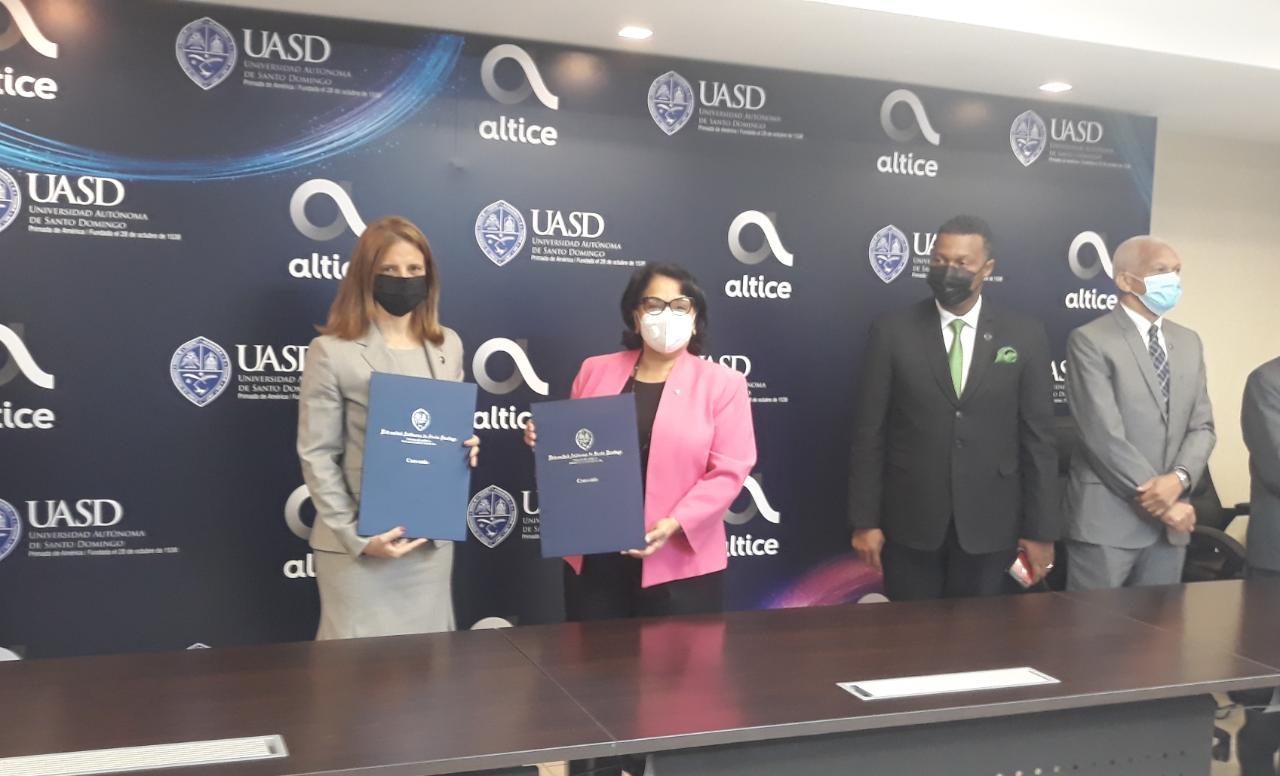 Altice Dominicana y UASD firman acuerdo para conectar a internet profesores, estudiantes y empleados