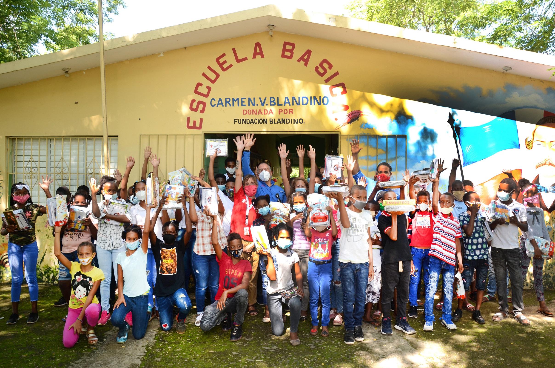Save The Children y  MLB Players Trust entregan kits escolares en zonas vulnerables