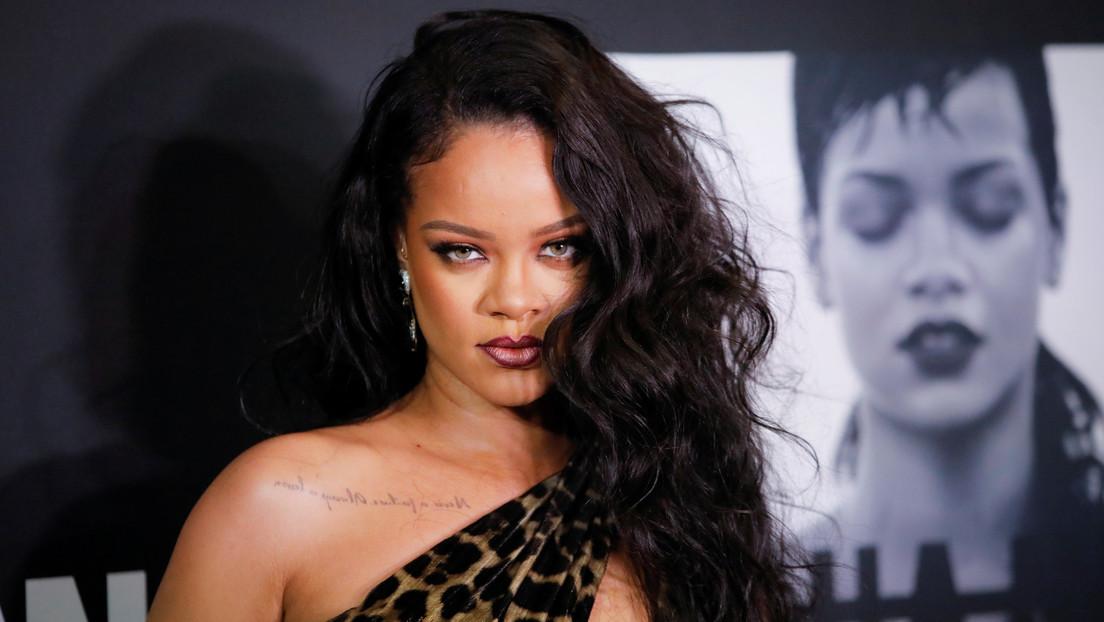 Video | Rihanna usa una canción que incluía textos islámicos en su desfile de lencería y se ve obligada a disculparse