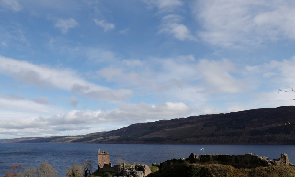 El sonar de un barco detecta un misterioso objeto de unos 10 metros en las profundidades del lago Ness