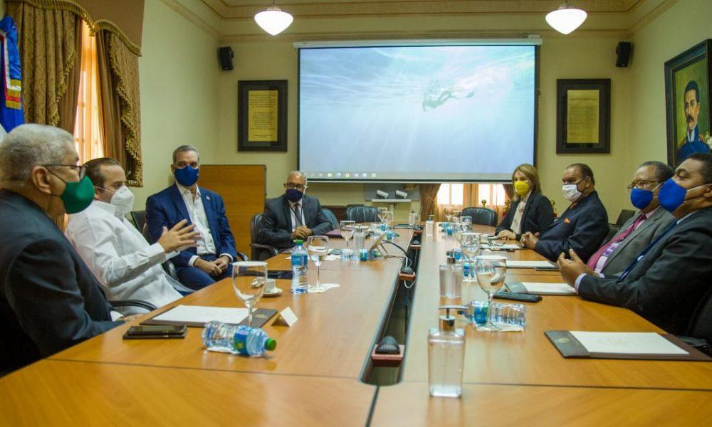 Presidente Abinader se reúne con miembros Sociedad Dominicana de Diarios