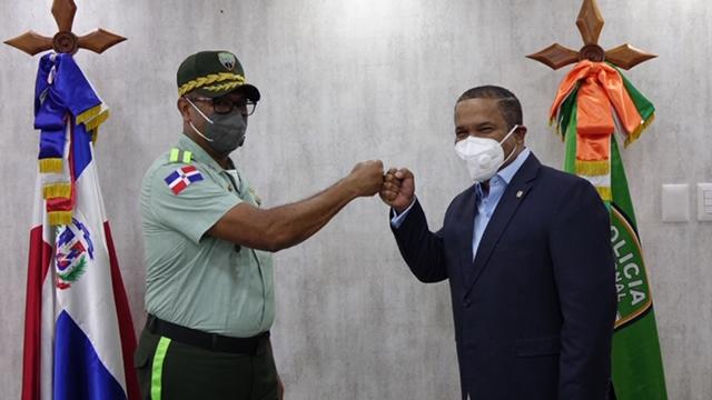 Director de la DIGESETT recibe visita de Héctor Acosta