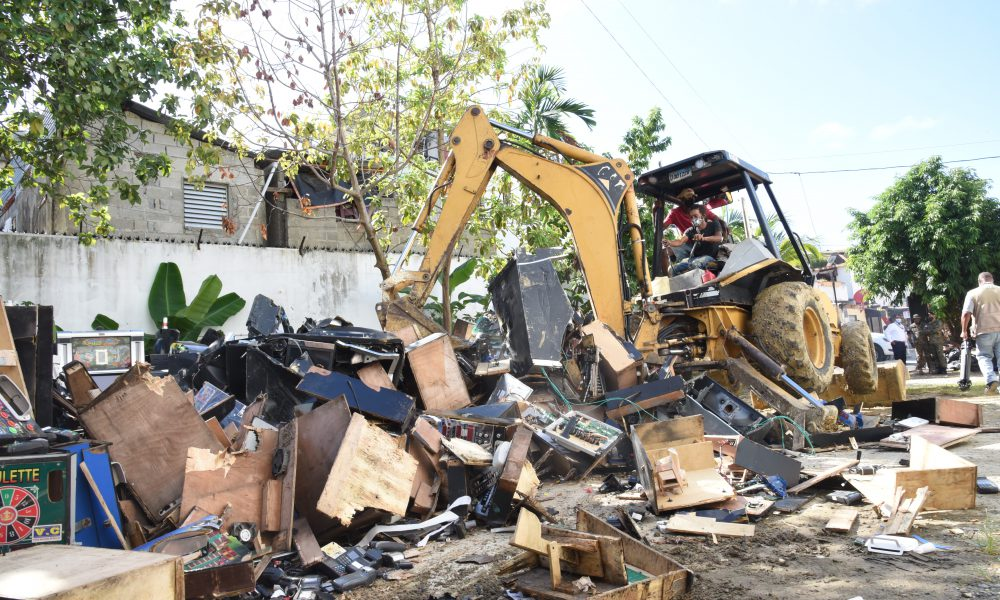 Hacienda destruye 284 máquinas tragamonedas y más de 2 mil equipos confiscados