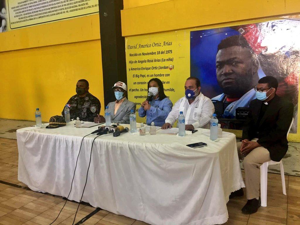Organizaciones de comerciantes acuerdan impulsar derechos de los consumidores en Villa Consuelo