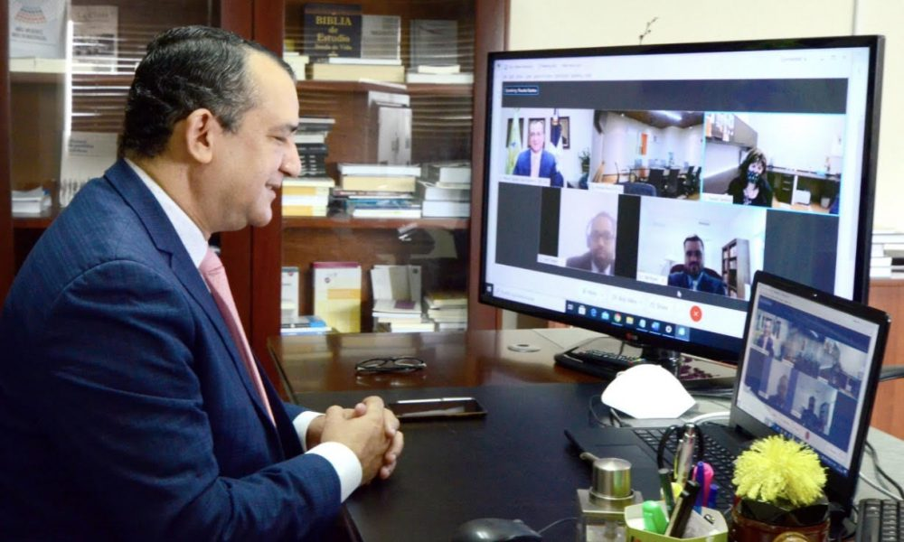 Presidente TSE se reune de manera virtual con embajadora de EEUU