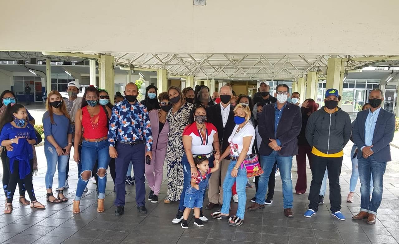 Embajada dominicana en Trinidad y Tobago logra el regreso al país de 35 dominicanos