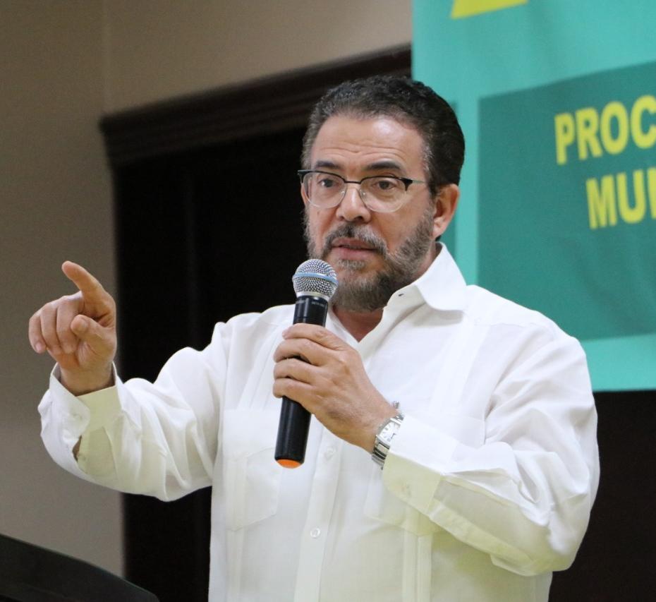 Guillermo Moreno llama a autoridades a salvar las Cuevas del Pomier