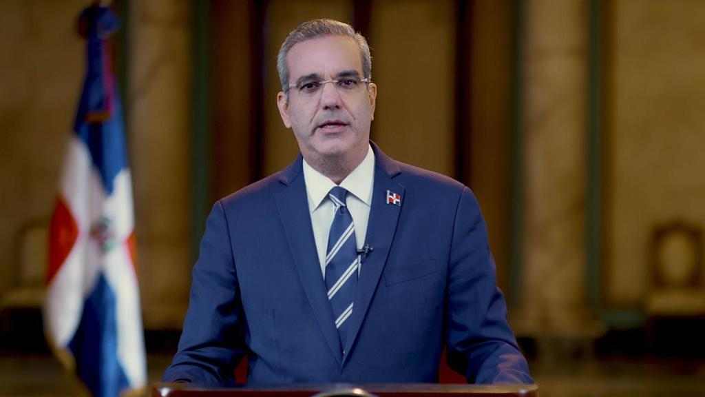Abinader donará su salario y propondrá rebajar la cuota de los partidos