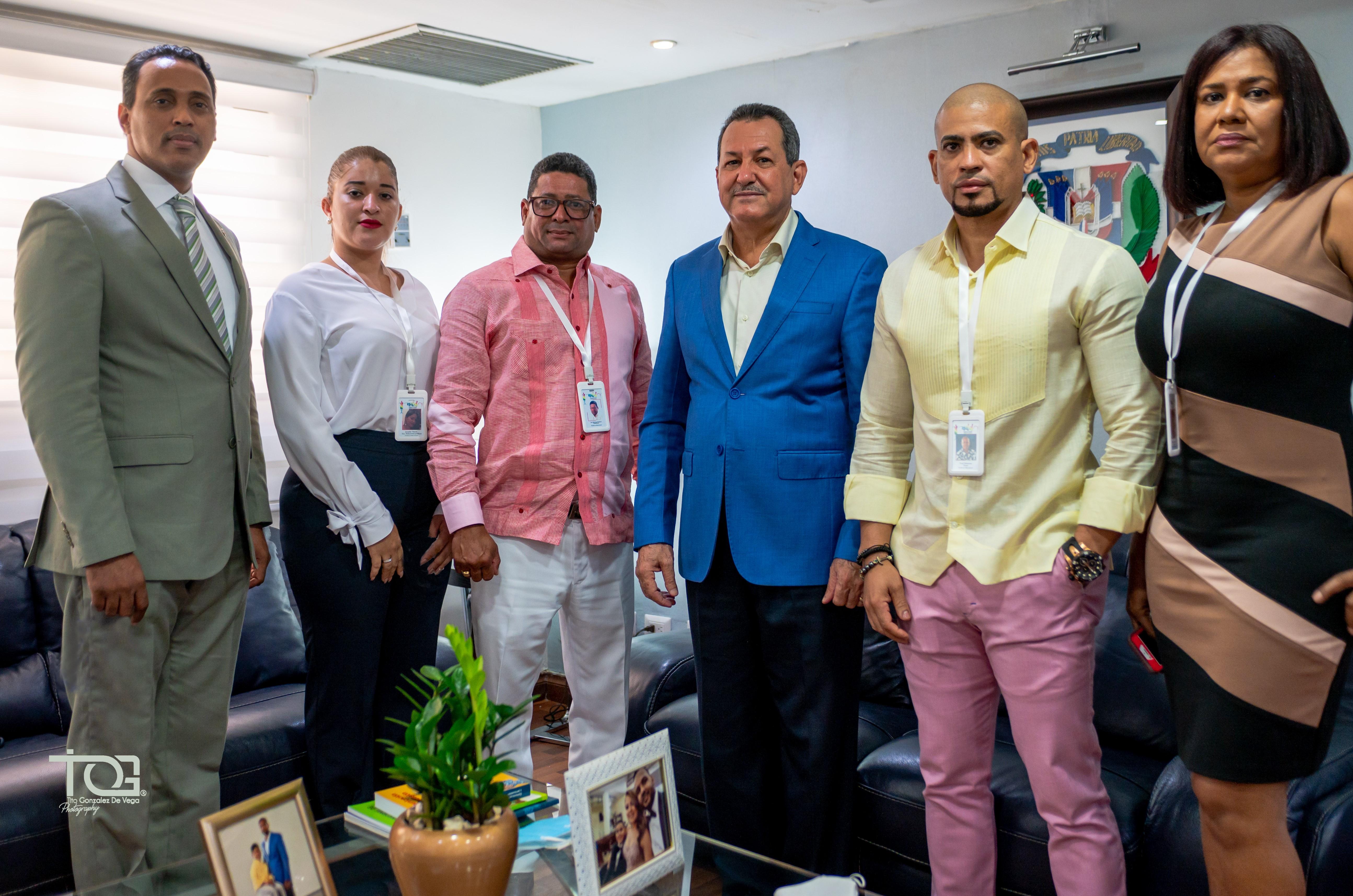 Asociación de Diseñadores Dominicanos realiza acuerdo con Banca Solidaria para apoyar emprendedores