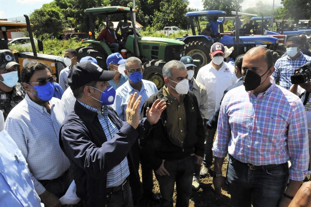 Video   Agricultura inicia preparación para siembra habichuelas en San Juan