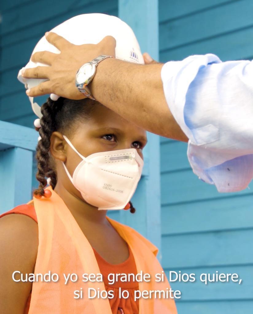 Video | INVI entrega vivienda a niña que pidió una casa al presidente Abinader