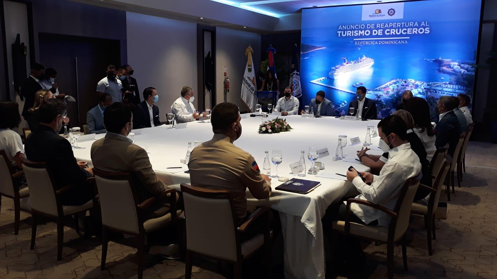 Video | Ministerio de Turismo y Autoridad Portuaria anuncian reinicio de operaciones para entrada de cruceros al país