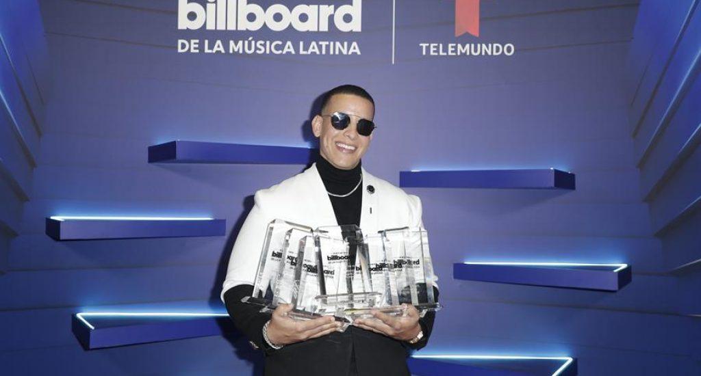 Luis Fonsi, Daddy Yankee y Carlos Vives triunfan en premios Billboard de música latina